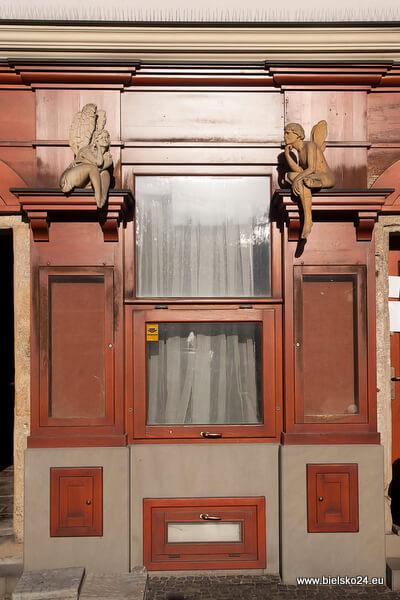 Witryna sklepu na Rynku w Bielsku